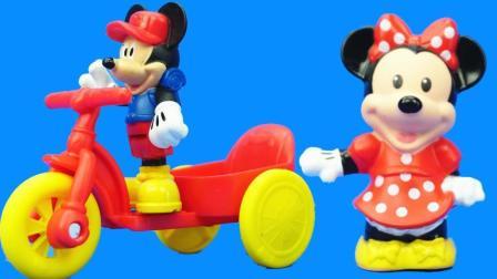米老鼠和米妮睡觉过家家 米奇妙妙屋的儿童玩具