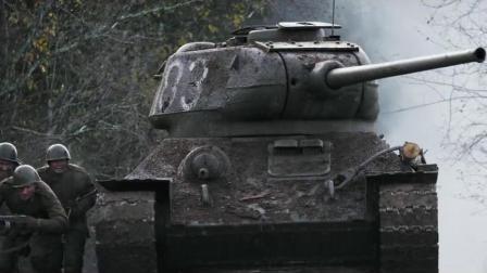 《1944》这个战术动作不管是坦克冲锋还是步兵跟进、坑道作战都做得堪称完美