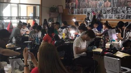 纹身培训现场第一天: 2016年10月强化班现场视频 青岛520TATTOO纹身教育机构