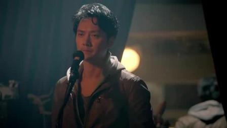 冯绍峰为女友过生日在ktv献唱, 你绝对没听过