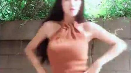 长腿美女户外跳舞, 美女身材真是好