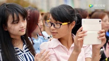 """安徽郎溪热吻大赛 上演""""女女闺蜜吻""""_"""