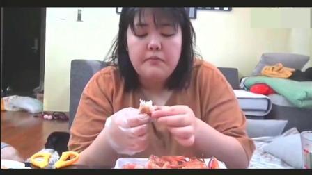 大胃王吃播: 烤肉妹吃帝王蟹 海鲜炒饭