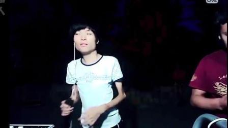 奇迹歌曲: 残疾人王亮PK乞丐歌手韦文学《下定决心忘记你》, 听过的人都流泪了