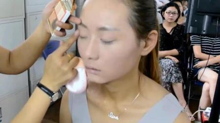 太原艾维斯化妆造型超美得鲜花韩式新娘造型