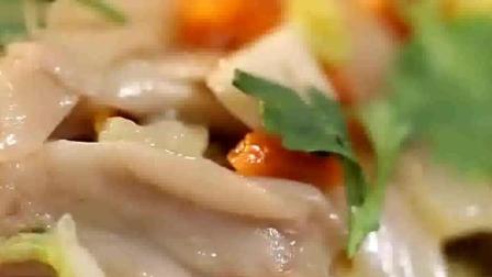 不好炒的白菜也能炒出不一般的味道, 看看这道 白菜炒鲜蘑