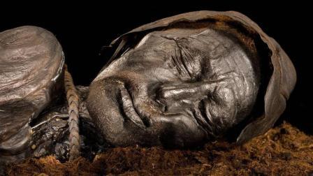 奇异部落习俗, 将死者尸体熏成干尸保持数百年