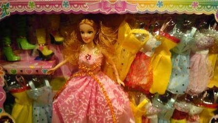 芭比娃娃与比得兔都喜欢吃汉堡包,水果连连看