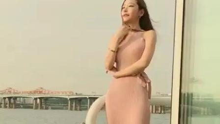 长发美女海边吹风, 1米7的腿耀眼啊