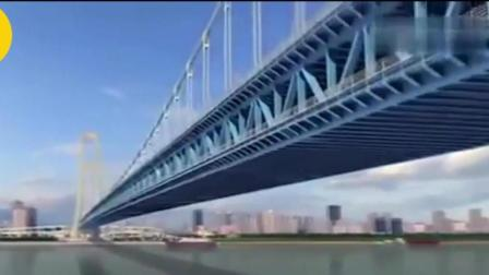 """中国桥梁再次站在世界巅峰, 耗资80亿打造, 首座双层公路桥""""一步""""跨越长江"""