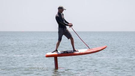 新型炫酷智能冲浪板, 不会玩的也要看看, 涨知识啊!