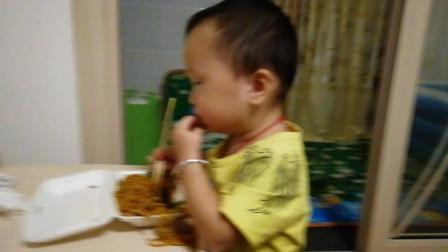 中国乡村农民大胃王小吃货吃播抚州炒粉 超辣重口味 江西人吃辣椒从小孩培养