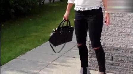 白色上衣配黑色紧身裤粗跟鞋, 美女气质优雅有女人味