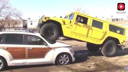 大家一定要记住 千万不要惹开悍马汽车的!