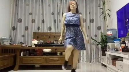 广场踏脚舞「我被青春撞了一下腰」节奏感配熟女, 生活真健康