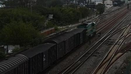 宣杭铁路ND5货列通过宣城站