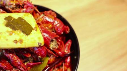 四郎的黑暗料理 第一季 没有55颗麻辣小龙虾的黑科技披萨  怎么敢在中国开食堂