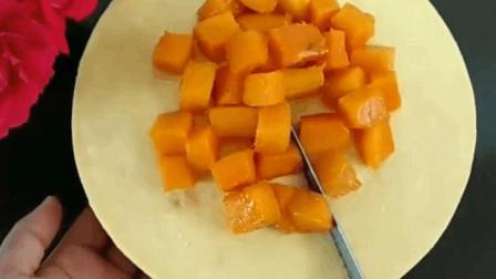 芒果慕斯蛋糕 , 芒果+奶油+蛋糕搭配起来清爽不油腻, 凉凉的最适合夏天了