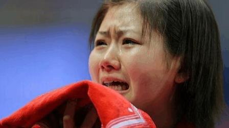 福原爱用十级东北话把记者逗笑了, 张怡宁都跑步捡球, 我不跑不太好吧!