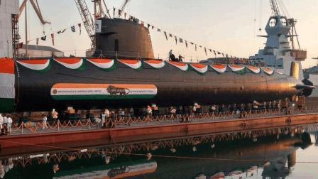 印度又打了自己一耳光, 10年才建成一艘, 买设备就花了285亿
