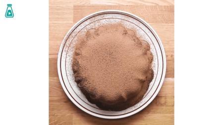 熔岩蛋糕制作教程 熔岩质感的巧克力混着松软的蛋糕