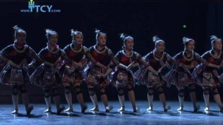 第二届全国少数民族优秀舞蹈作品展演! 苗族群舞《风起苗舞》