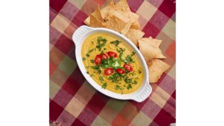 素食奶酪汤, 一道可以媲美奶油蘑菇汤的美味营养汤, 再搭配一点薯片, 就是人间美味!