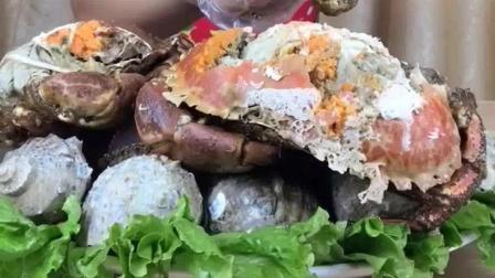 美食视频: 这个面包蟹真大, 一个一顿吃不完, 请问这个如何做的?