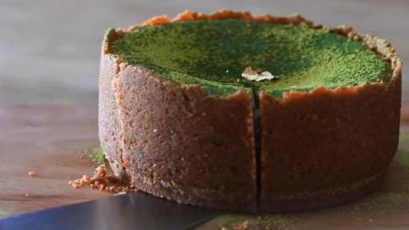 不吃点冰镇过的抹茶布蕾蛋糕, 简直是在浪费时光! 虽然吃了会胖, 可当然是选择原谅它啊