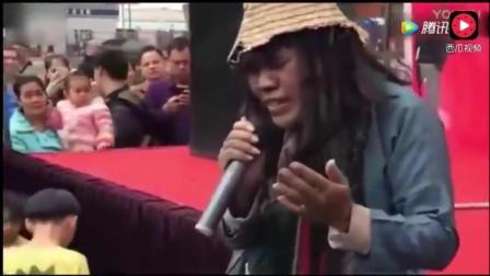 乞丐歌手韦文学、残疾人王亮pk原唱正云《下定决心忘记你》