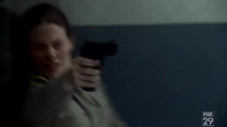 美女终结者劫狱, 救出约翰康纳的母亲!
