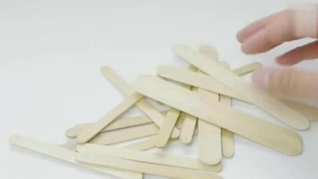 用冰糕棍做成的小玩意, 小朋友都抢着玩