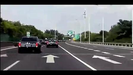 实拍数十辆红旗L5高速出行, 无车敢超, 真是牛逼了