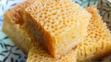 糕点自己做: 又冰又软的多孔蜂巢蛋糕