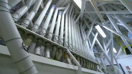 大型面粉加工厂, 好复杂的机器, 完全看不懂啊