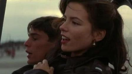 《珍珠港》女友以为男友了和男友的好兄弟在一起了, 看战斗机看夕阳