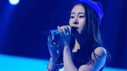 她翻唱好声音冠军的这首歌, 立刻成了网红