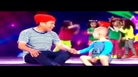 3岁小孩和宋小宝比拼舞技, 搞笑到大家笑出内伤