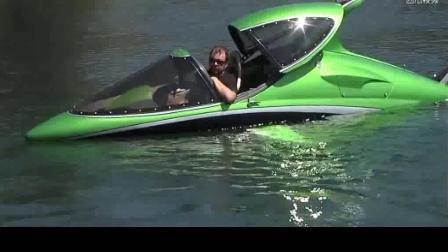 国外小伙脑洞大开自制山寨潜水艇, 在水上和一条鱼一样成功下水!