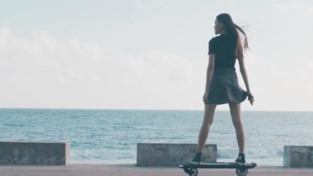 滑板、美女、沙滩!这才是浪过夏天的正确姿势