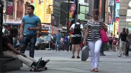 国外街头恶搞: 纽约人会不会帮你打架?
