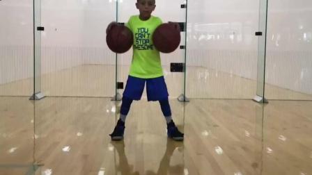 7岁篮球神童花式炫技 精湛球技堪比球星
