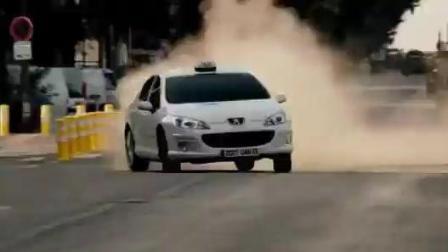 《的士速递4》这辆计程车简直无所不能, 飞一般的速度!