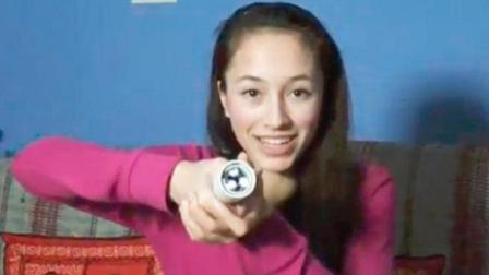 15岁女孩发明奇特手电筒, 手握住就能亮, 不用电池什么原理