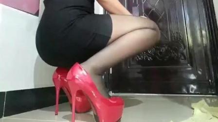 女神就应该这样, 穿上20cm高跟鞋, 160身高瞬间变180!