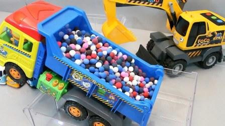 惊喜鸡蛋培乐多彩泥橡皮泥卡车可爱的小巴士泰路车库玩具学习英文数字【俊和他的玩具们