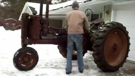 这样古老的古董三轮拖拉机还能启动, 启动方式很特别!
