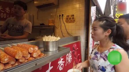 长沙街头小吃, 13元一个, 排队的人群都快排到街尾了!