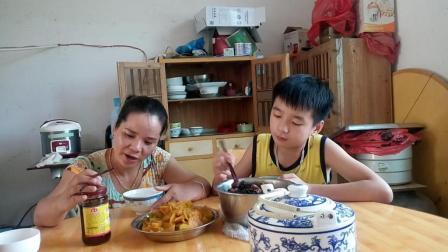 江西省南昌市安义县石鼻镇特产美食农村吃饭吃播搞笑视频