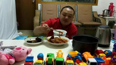 江西省南昌市安义县黄洲镇特产美食剩菜剩饭中国吃播视频